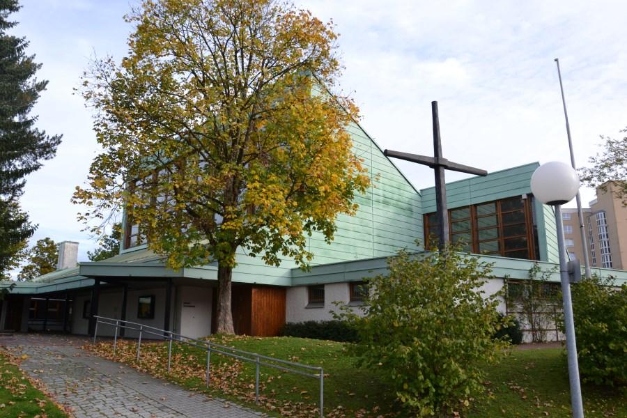 Pfarrkirche St. Bonifatius, Haar von außen