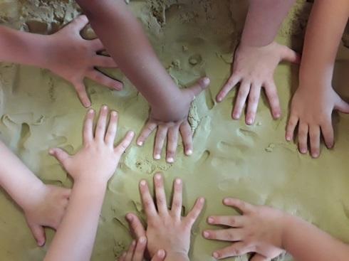 Sand mit Hände<br/>Spruch passt dazu