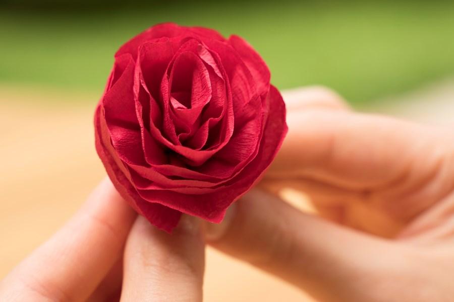 Rose aus Krepppapier