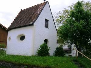 Kapelle in Tinning von außen