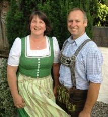 die beiden Mesner Maria und Michael Bauer