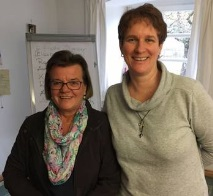 die mesnerinnen Maria Furtner und Christine Clas