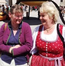 Pfarrsekretärinnen Barbara Schmitzberger und Barbara Huber