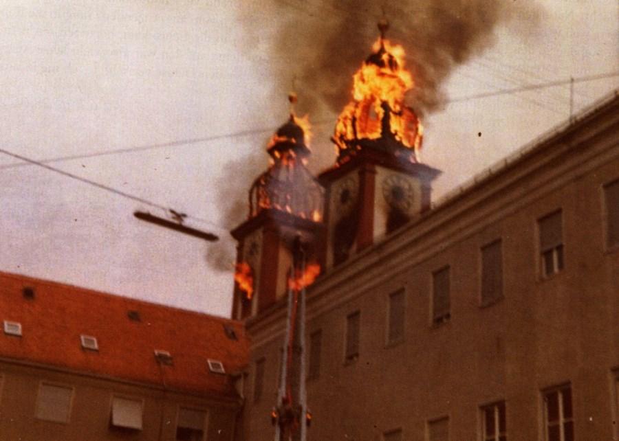 Kirchenbranbd Au 3  kl