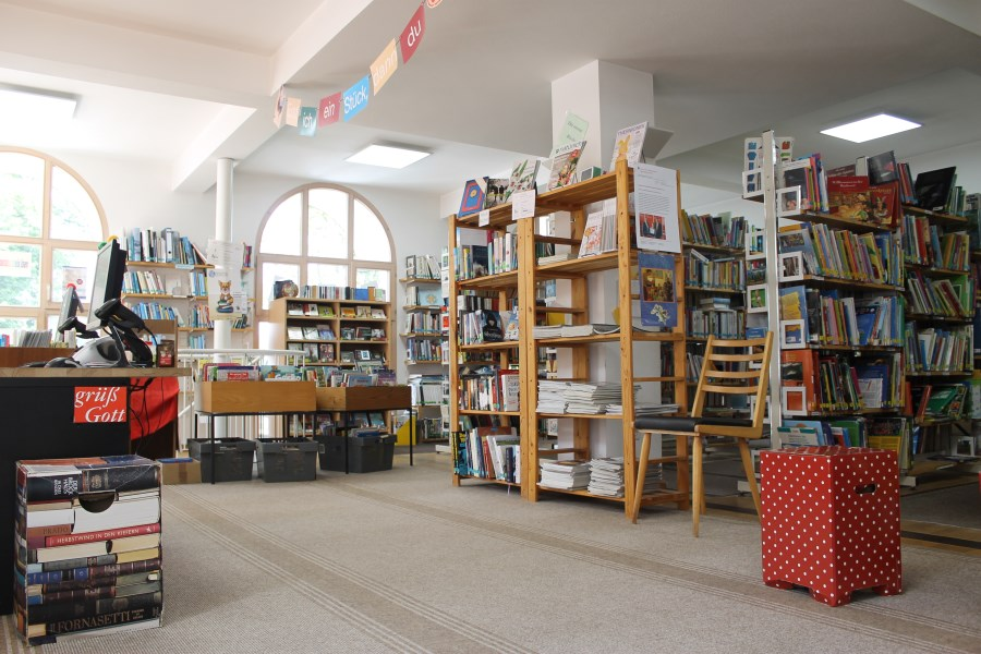 Bücherei Isen Innenansicht