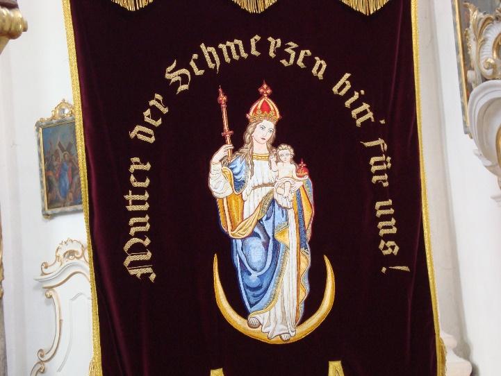 Fahne der christlichen Frauengemeinschaft Söllhuben