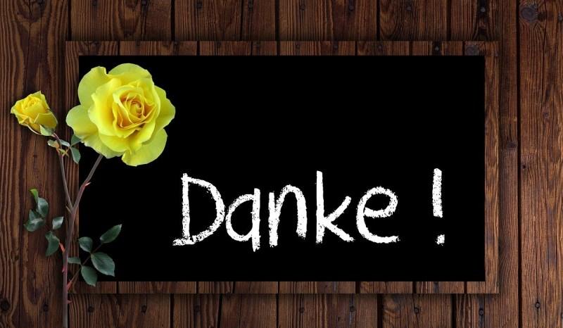 Danke-Schild mit gelben Rosen