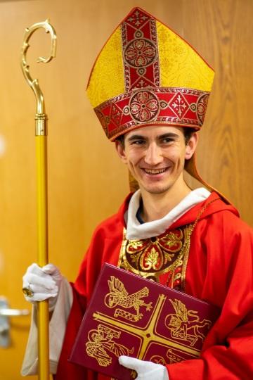 Johannes Pongratz verkleidet als Nikolaus, Bischof von Myra