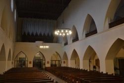 LED-Lichtkränze in Kirche Leiden Christi