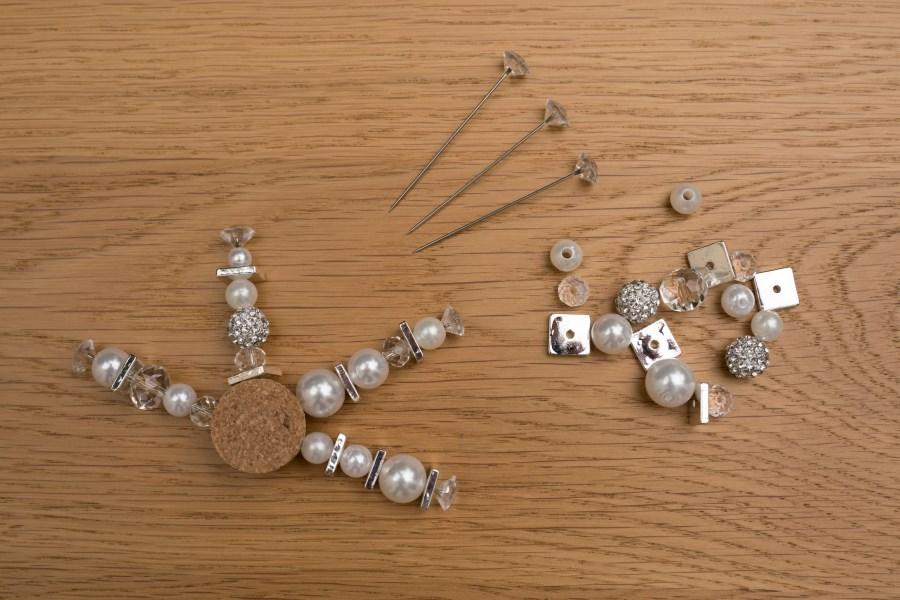 Schneeflocke mit Perlen basteln