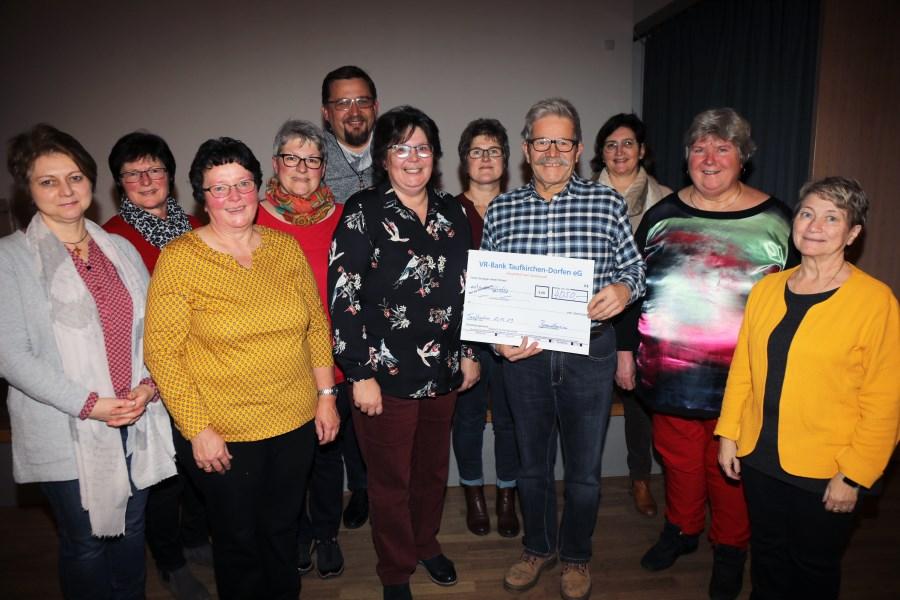 PVT_kfd_Spendenübergabe_2019