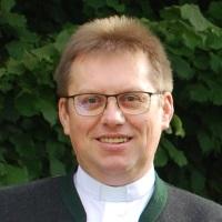 Pater Richard Basta