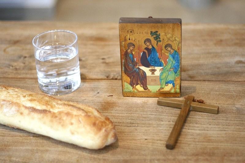 Brot-Wasser-Abendmahl-Kreuz