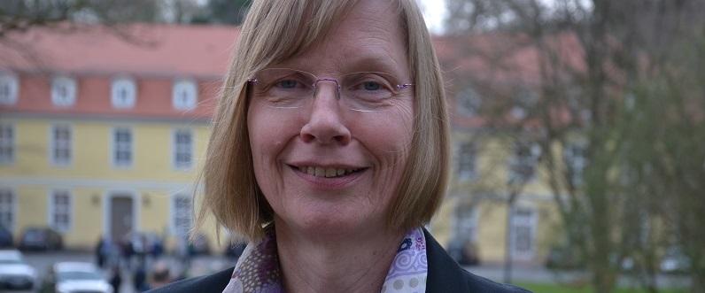 Portraitphoto Dr. theol. Elisabeth Dieckmann