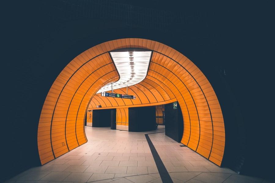 Gang in der Ubahn am Marienplatz in München