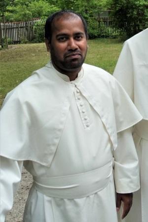 Pater Soosai groß