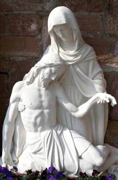 Maria Jesus Pieta toter Jesus Mutter