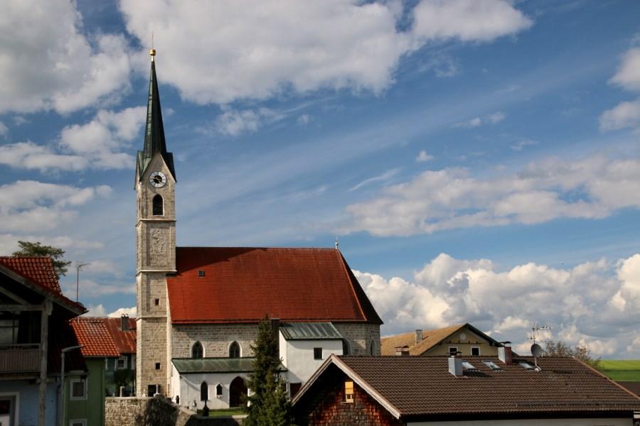 Kirche St. Laurentius von außen