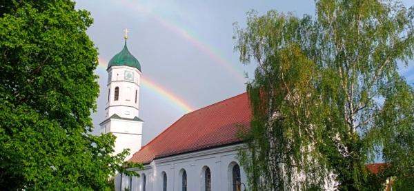 Regenbogen über St. Vitus