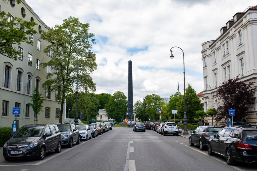 Brienner Straße mit Blick auf Karolinenplatz