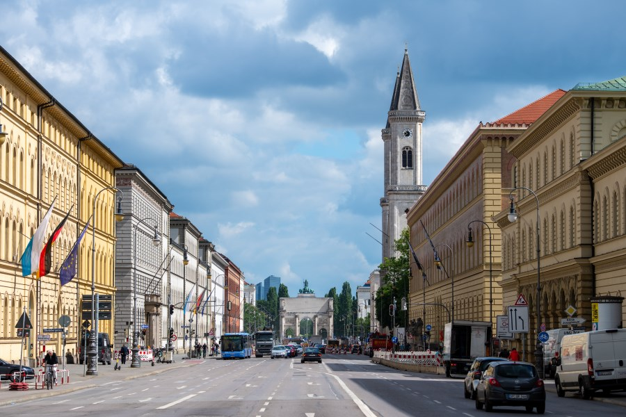 Ludwigstraße mit Blick auf Siegestor