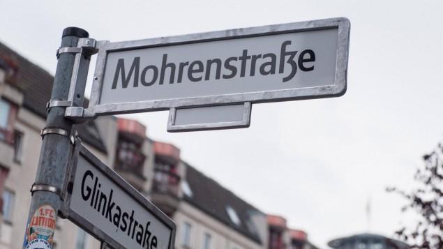 Bild Straßenschild Mohrenstraße Berlin