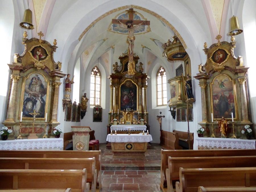 Die Weilhamer Kirche von innen