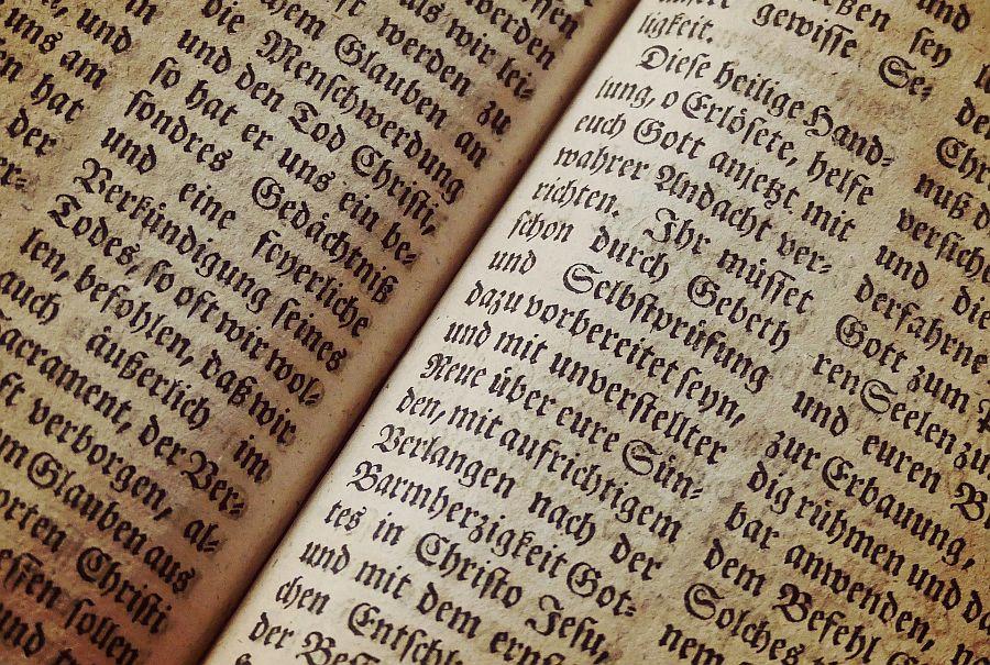 Seiten aus Bibel