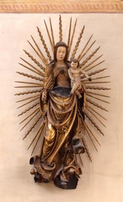St. Martin, Madonna von Hans Leinberger, um 1518, ehemals mit Rosenkranz,