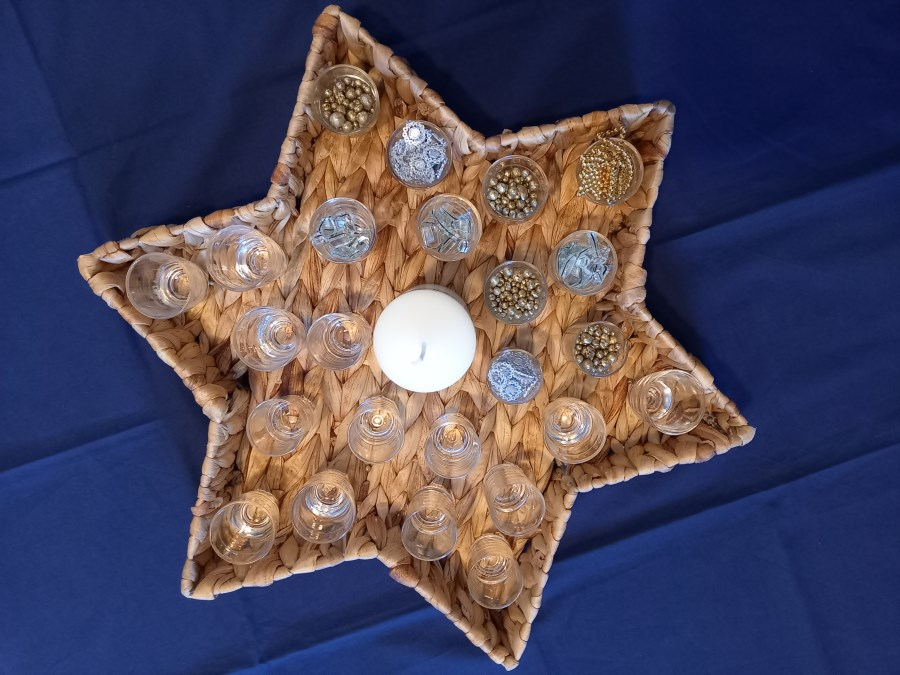 Adventskalender in Sternenkorb für Kitas