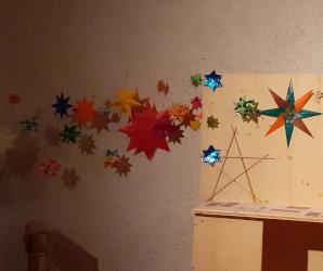 """gebastelte Sterne für die Aktion """"Unterm Sternenhimmel"""" in St. Bonifatius"""