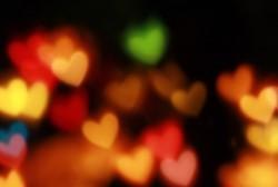 Leuchtende Herzen, leicht verschwommen