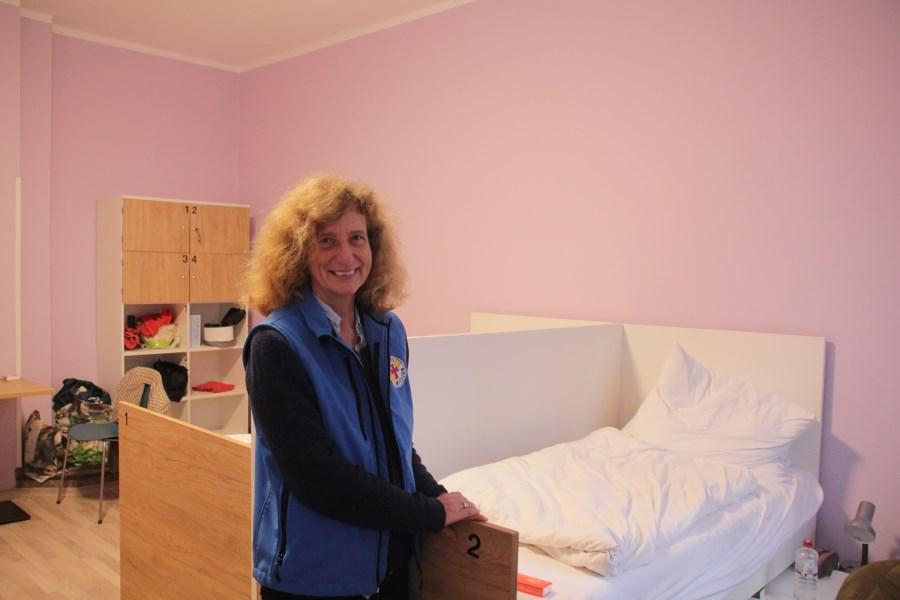 Bettina Spahn im Lavendel-Zimmer