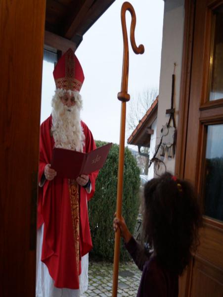 Unser Nikolaus besucht die Kinder