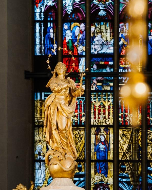 Marienstatue im Münchner Dom