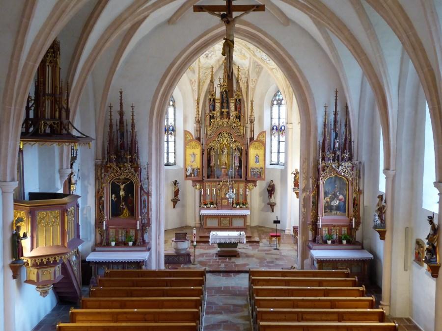 Die Kirche Mariä Himmelfahrt in Burg bei Tengling