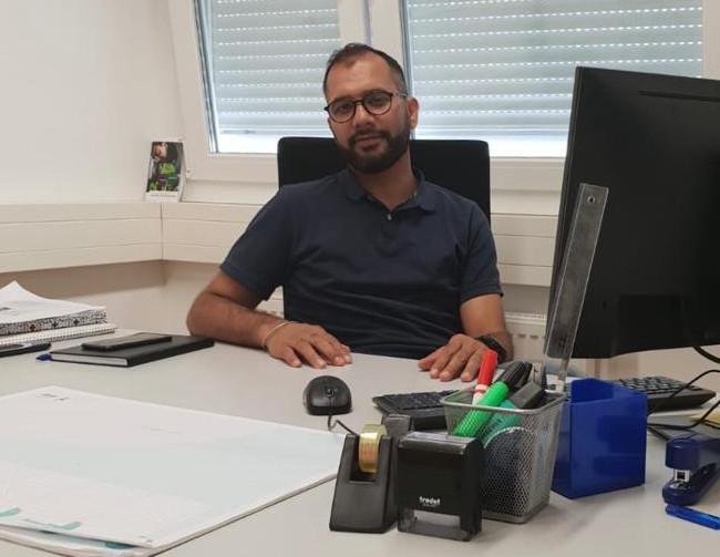 Latif Qaiumi-pädagogischer Assistent der Caritas in der GUM MÜnchen-Triebstraße