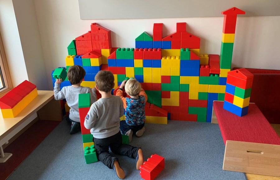 Bausteine im Spielezimmer