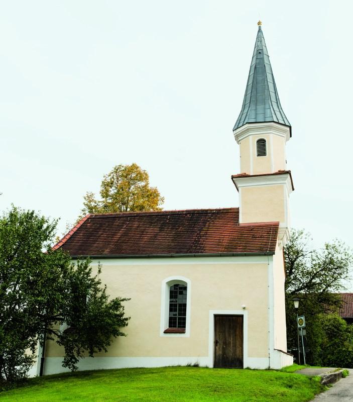 Außenansciht von er Nebenkirche Sindlhausen