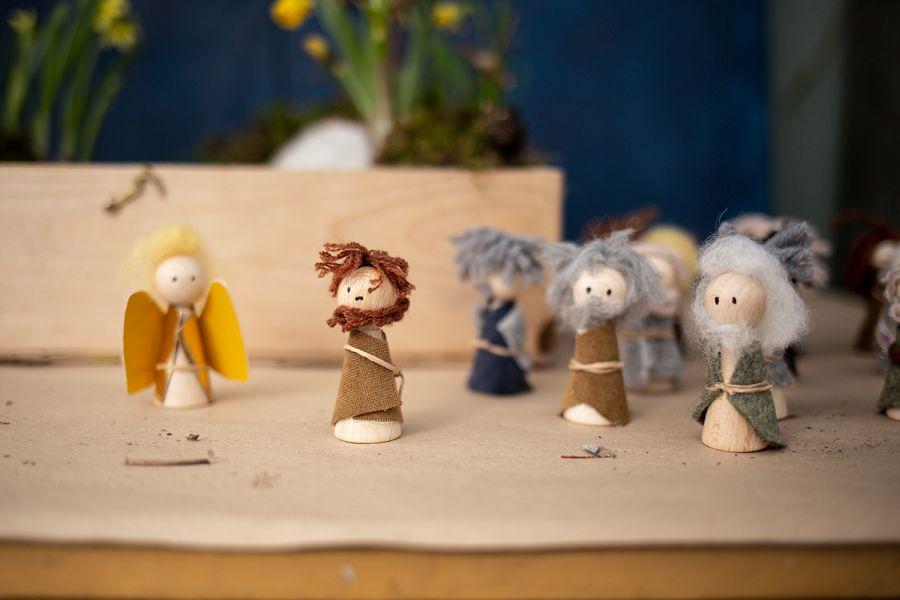 Holzfiguren Engel, Jesus und Jünger