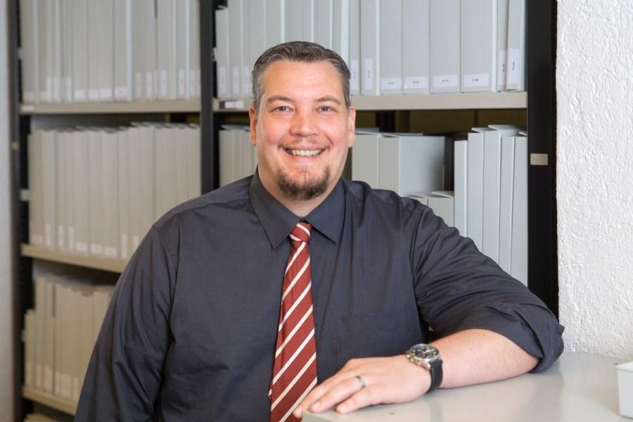 Dr. Christopher Sterzenbach