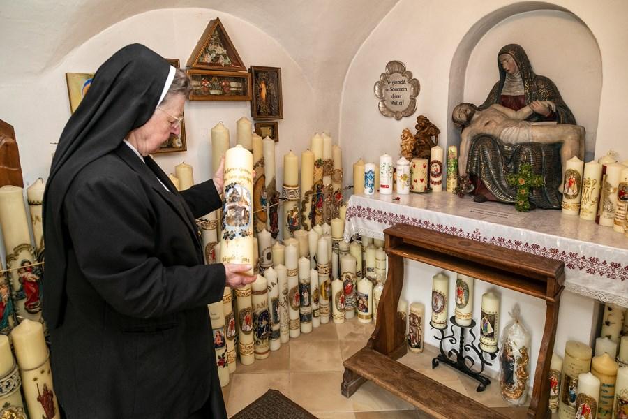 Schwester Eresta Mayr