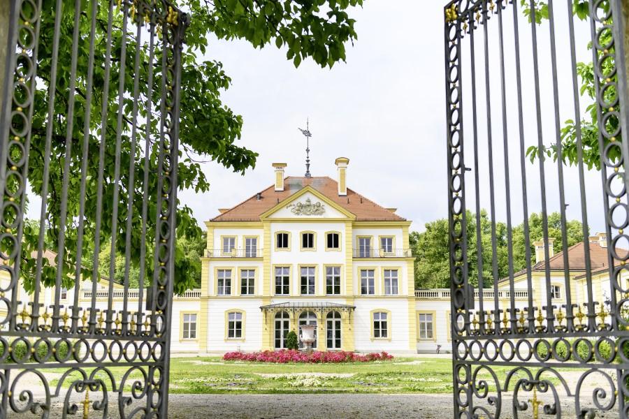 Schloss Fürstenried mit Tor