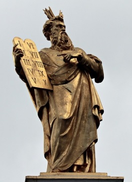 Moses mit Gebotstafeln