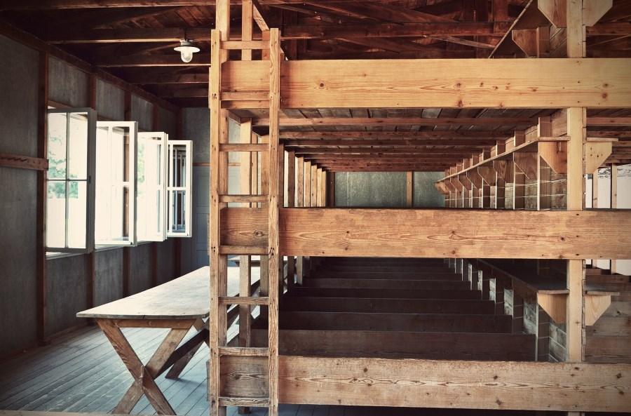 Baracken im KZ Dachau