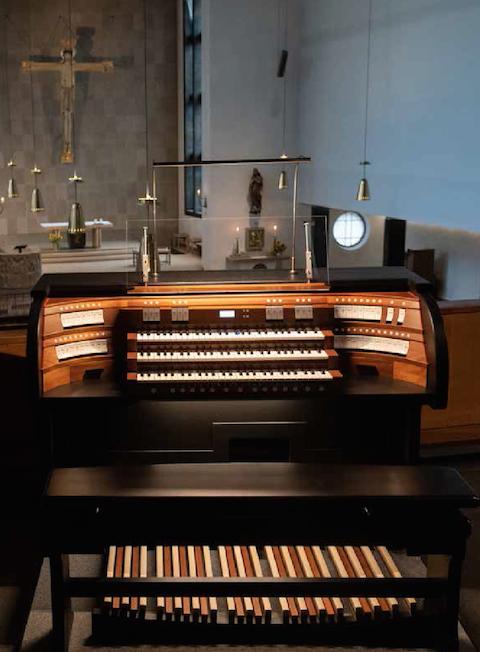 Orgelspieltisch-480