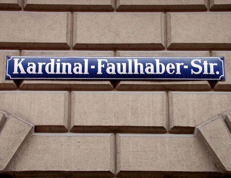Straßenschild Kardinal-Faulhaber-Straße