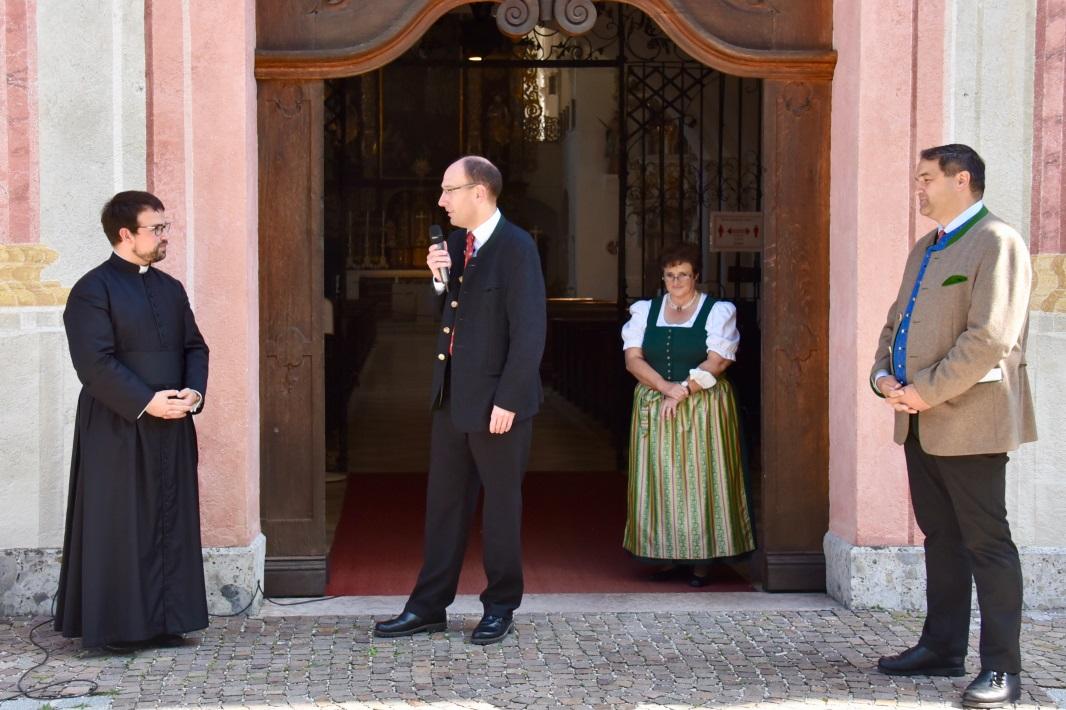 EInführung Pfarrer Häglsperger