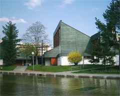 Kirche außen neu